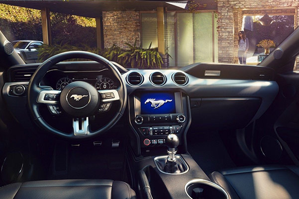 2019 Ford Mustang Interior & Technology